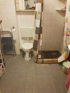 Badkamer renovatie donker stijl in Hoofddorp   Bouwvariatie
